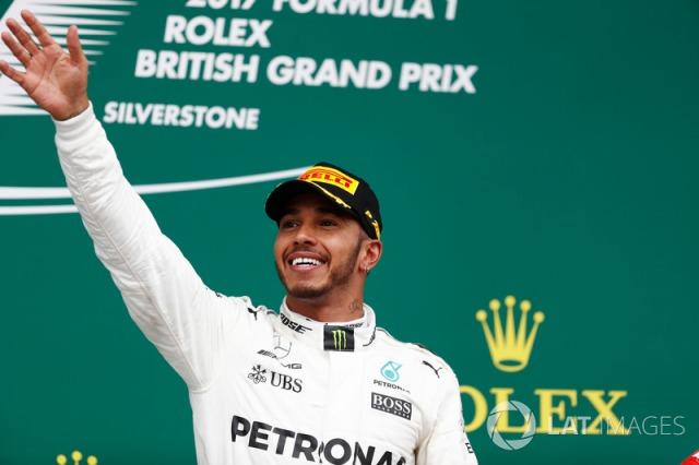 f1-british-gp-2017-podium-race-winner-lewis-hamilton-mercedes-amg-f1-w08.jpg