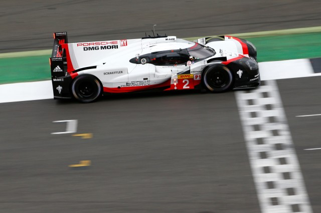 No_ 2 Porsche 919 Hybrid across the finish line.jpg